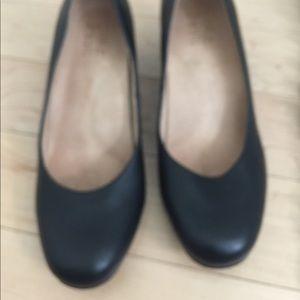 Naturalizer block heels comfortable